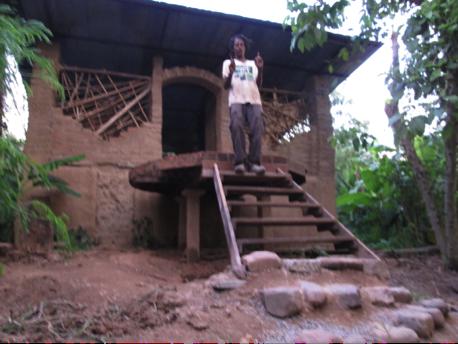 compost-toilet-panya